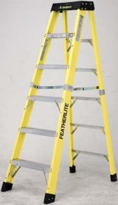 Featherlite 6412 12' fiberglass step ladder